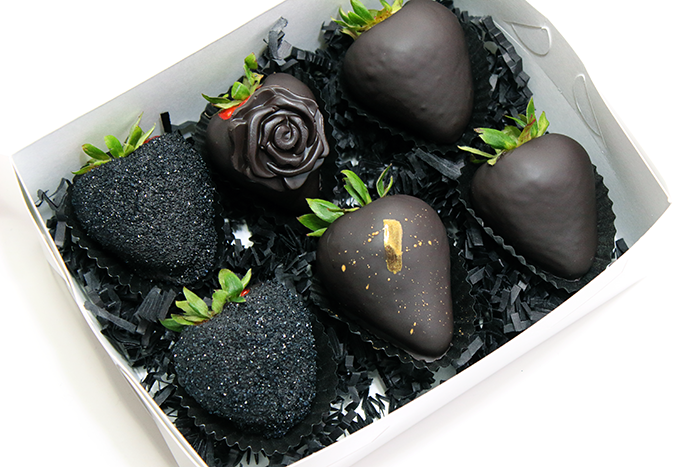 Midnight Chocolate Covered Strawberries